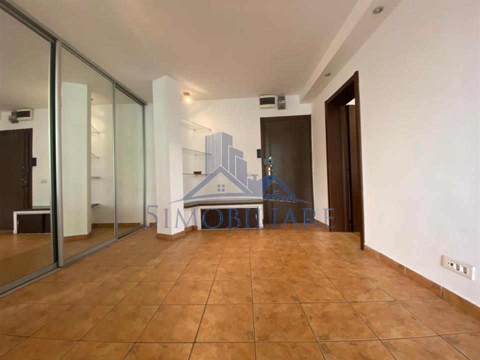 Victoriei / Piata 1 Mai Apartament modern doua camere 70 mp