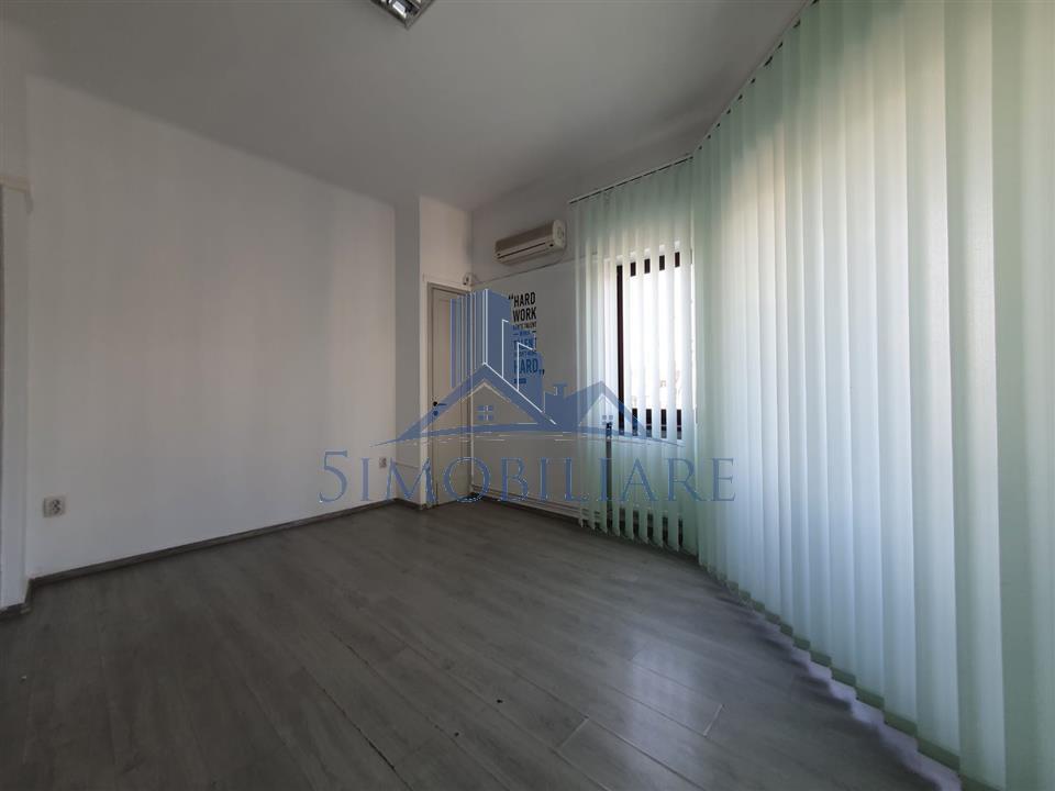 Piata Victorie, inchiriere 3 camere, ideal firma