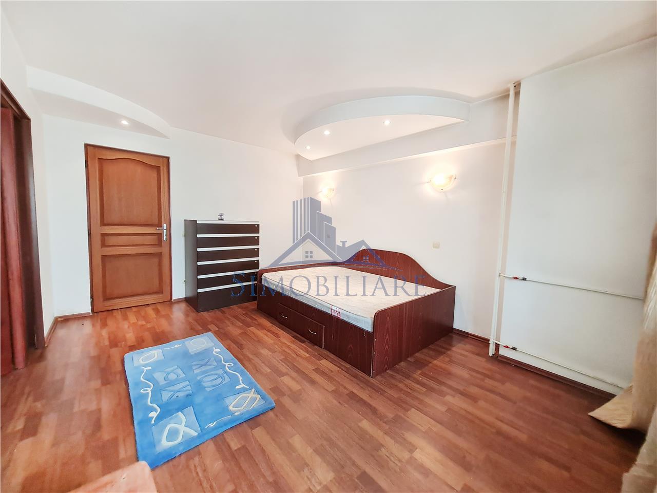 Apartament 4 camere de inchiriat Calea Mosilor.