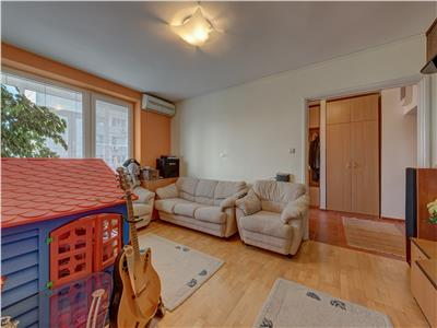 Vatra Luminoasa- apartament 3 camere de vanzare