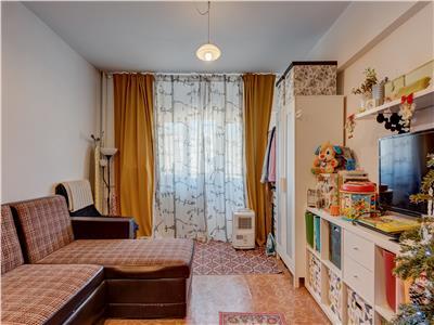 Crangasi-apartament doua camere de vanzare