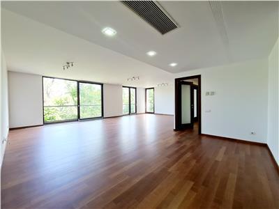 Premium location / 220 sqm apartment for rent